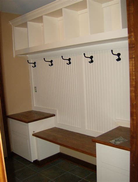 mudroom built  plans  woodworking