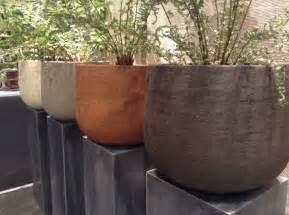 Pot De Fleur En Terre Decore by Grand Pot De Fleurs En Terre Cuite Pour Votre Jardin Et
