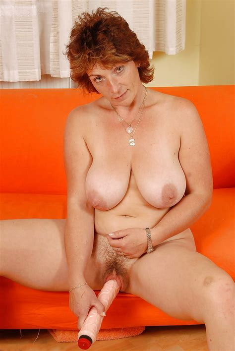 Busty Hairy Mature Toys Her Awesome Cunt Pics