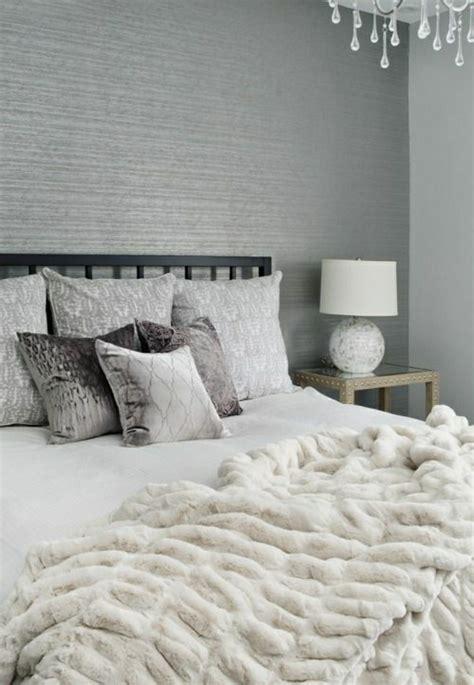 Moderne Tapeten Fürs Schlafzimmer by Tapete In Grau Stilvolle Vorschl 228 Ge F 252 R Wandgestaltung
