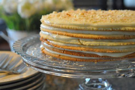 Cake layers contain more fat. Mennonite Girls Can Cook: Napoleon Cake (Blaettertorte)