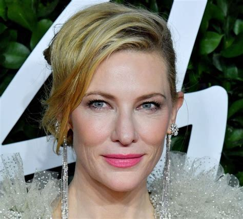 Cate Blanchett 'nicks head' in chainsaw accident during ...
