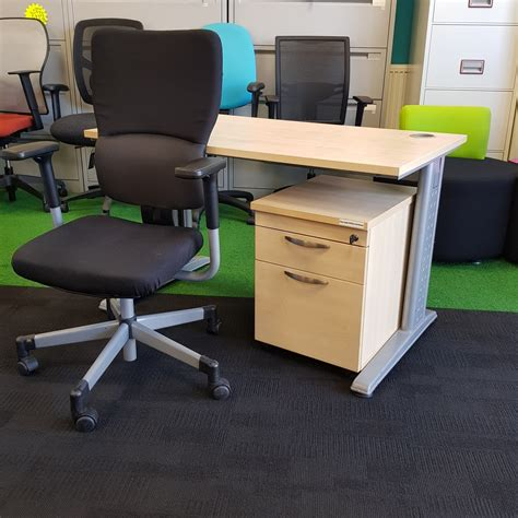 the city desk company maple straight desk with pedestal 1200x800mm city used