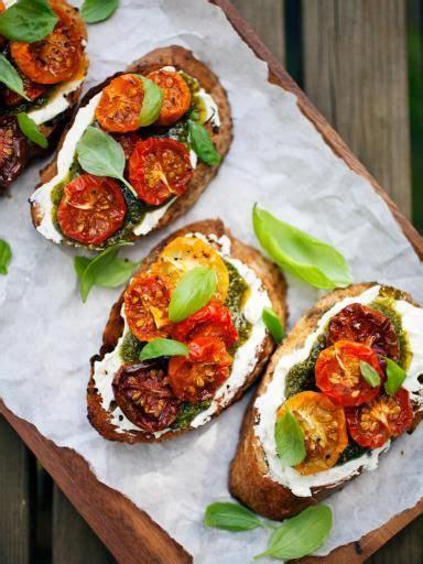 bruschettas tomates sechees  pesto recette en