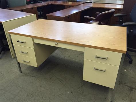 Office Desk Used by Used Office Desks Metal Desk By Steelcase 3200 Series At