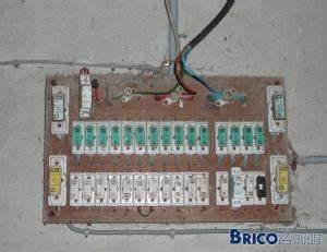 Changer Tableau Electrique : changement tableau 380 ou 220v en 220v ~ Melissatoandfro.com Idées de Décoration
