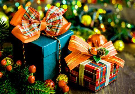 happy  year gifts ideas  friendsgirlfriend