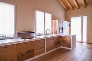 Pensili per cucina idee creative di interni e mobili for Pensili cucina in muratura