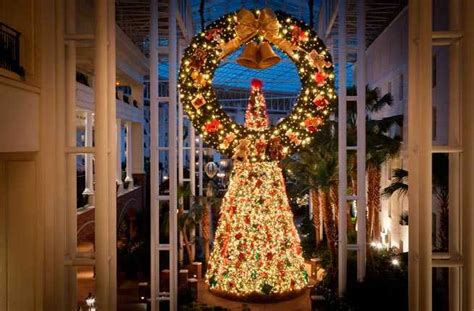 hotels    top christmas decorations fodors