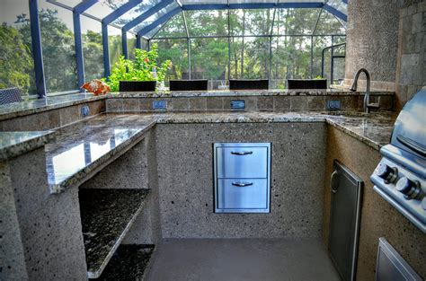 outdoor kitchen setup  entertain creative outdoor kitchens  florida