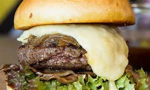 Bun Fight giving away 100 free burgers in Dubai ...