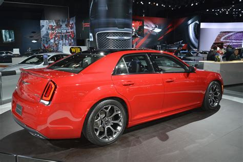 2017 Chrysler 300 Msrp by 2017 Chrysler 300 Srt8 News Reviews Msrp Ratings With