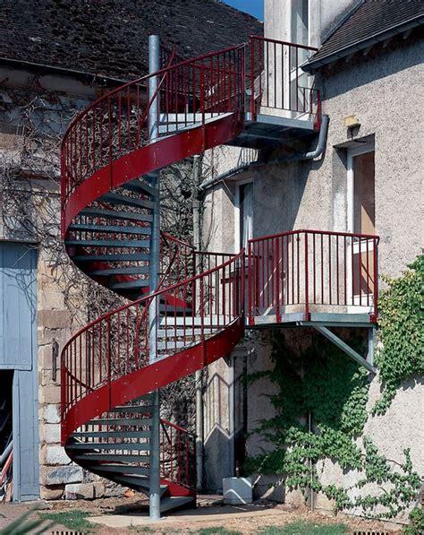 photo ih16 spir d 201 co 174 larm 233 escalier h 233 lico 239 dal d ext 233 rieur en acier galvanis 233 de style