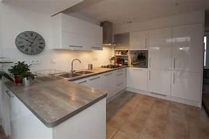 meuble cuisine blanc laque cuisine en image With cuisine blanc laque et bois