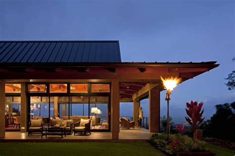 Wing House   Tropical   Exterior   Hawaii   by McClellan Architects