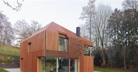 rumah kayu minimalis unik  menarik desain rumah
