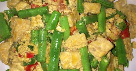 Tambahkan minyak goreng di wajan jika perlu, tumis bumbu halus hingga berbau harum. Orak arik tempe - 44 resep - Cookpad