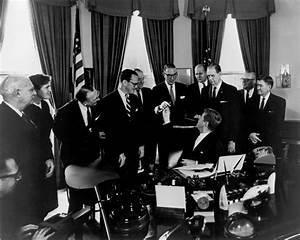 Thalidomide Tragedy President Signing The 1962 Drug Amendments President