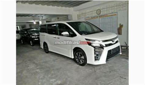 Modifikasi Toyota Voxy by 2017 Toyota Voxy 2 0 Cvt White