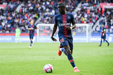 Mercato - Officiel : Nsoki s'engage avec le PSG jusqu'en ...