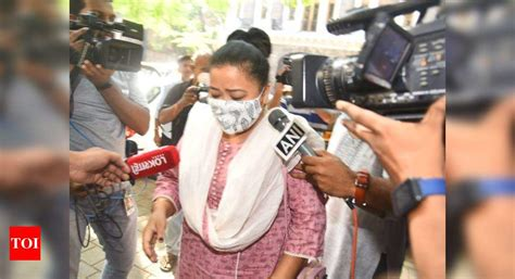 Comedian Bharti Singh, spouse held with ganja | India News ...