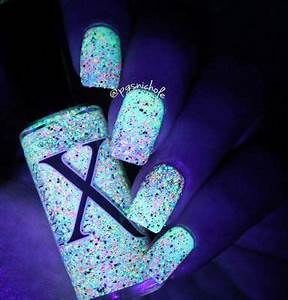 Best 25 Glow nails ideas on Pinterest