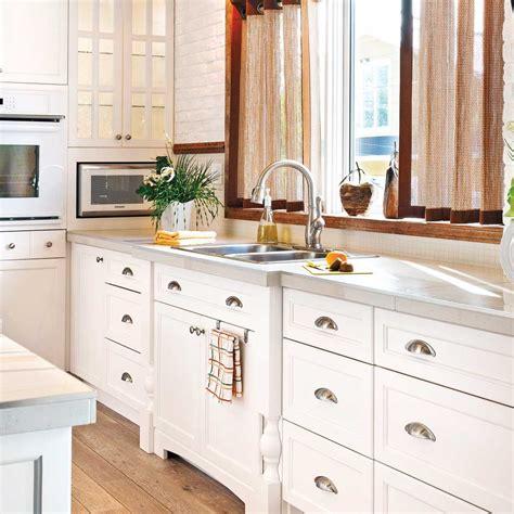installer evier cuisine en é installer un évier de cuisine en é