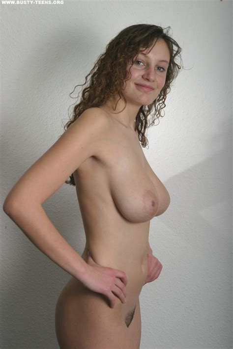 Busty Teens Busty Rachel Erotic Rachel Nude Gallery