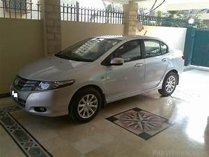 My New Honda City 2010 With Little Decent Modifications
