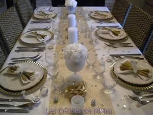 Table De Noel Blanche : ma table de no l en blanc et or avec une pointe d 39 argent les d lices de mimm ~ Carolinahurricanesstore.com Idées de Décoration
