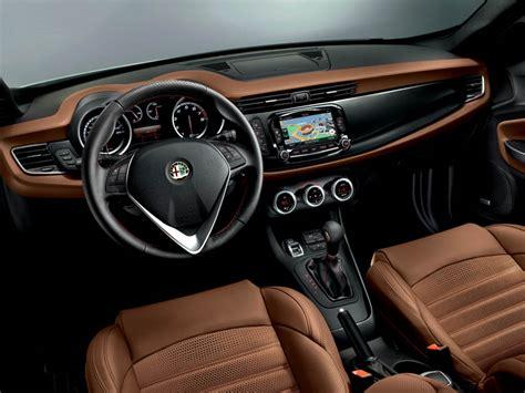 Interni Alfa Giulietta by Alfa Romeo Giulietta My 2014 Immagini Ufficiali E Novit 224