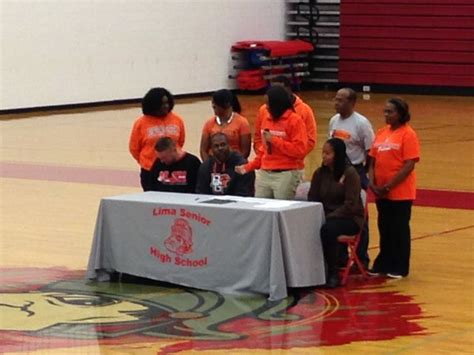lima seniors rion thompson signed  play basketball