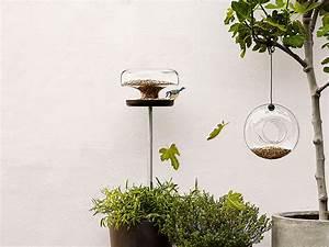 Futterhaus Für Vögel : mit einem vogelfutterhaus zieht buntes treiben ein ~ Articles-book.com Haus und Dekorationen