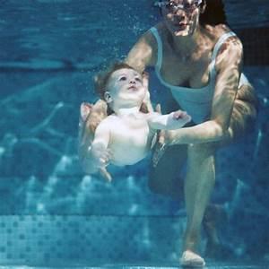 les bebes nageurs a nouveau montres du doigt familifr With piscine saint jean de la ruelle horaire