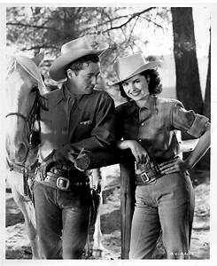 Femmes à revolver(s) ou à fusil(s)... - Page 31 - Western ...