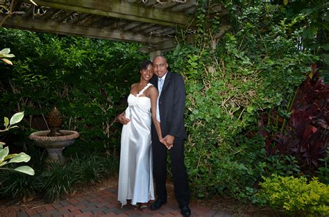 simple sunken gardens wedding ceremony