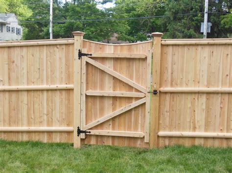 Fence - Gate : Cedar Lattice With Gate