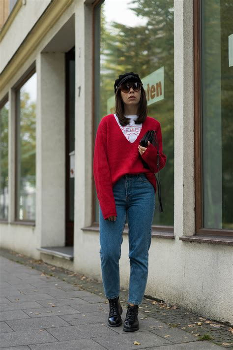 bunte pullover outfit idee farbige pullis ab