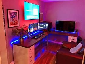 Gaming Zimmer Ideen : pin von sa ra auf gaming pinterest schreibtische schreibtisch b ro und b ros ~ Markanthonyermac.com Haus und Dekorationen