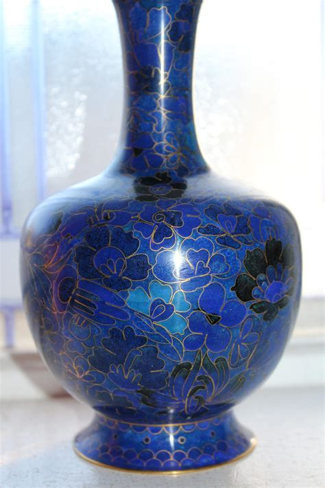 Large Chinese Cloisonne Vase 8 Inches Blue and Black
