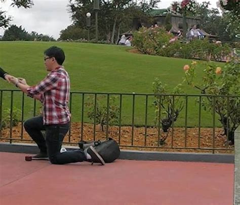 disney world proposal fail  pics izismilecom