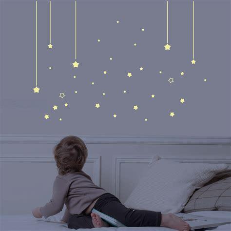 theme etoile chambre bebe avis sticker mur d 39 étoiles phosphorescentes for chambre bébé puériculture avis de