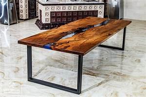 Table En Bois Et Resine : articles similaires table manger en bois table de rivi re r sine poxy bois table ~ Dode.kayakingforconservation.com Idées de Décoration