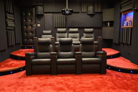 sieges de cinema occasion réaliser une salle de cinéma chez soi sur vidéo com
