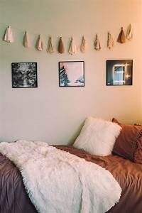 31 cool dorm room decor ideas youll like digsdigs With wall decor for dorm rooms