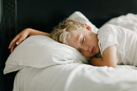 mattress size when should go to bed based on age org