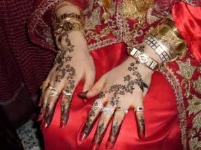 henne mariage file djerba henné et harkous jpg wikimedia commons