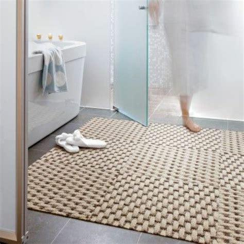 couleur de porte d armoire de cuisine on vous présente le tapis de salle de bain en 45 images