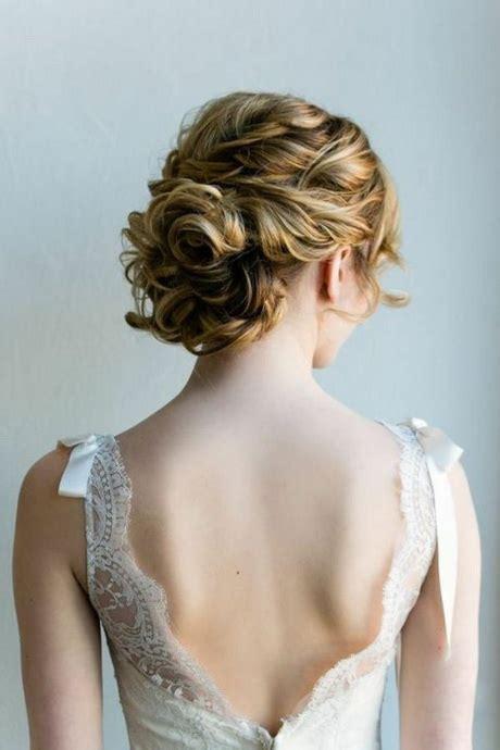 chignon mariage cheveux mi longs