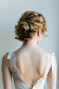 Chignon Cheveux Mi Long : chignon mariage cheveux mi longs ~ Melissatoandfro.com Idées de Décoration